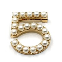 Wholesale Lady Accessories Wholesale - New Fashion Ladies Girls Brooches Pearls Brooches Pin Clips Clothing Accessories Suitable for Any Occasions