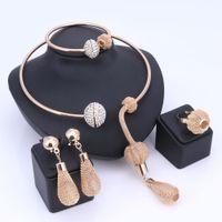 conjunto de joyas de fiesta africana al por mayor-Encanto Dubai chapado en oro de cristal Sistemas de la joyería para las mujeres pendientes del collar pendientes africanos Brazalete Anillos accesorios del vestido de fiesta