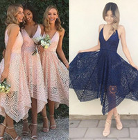v boy asimetrik gelinlik toptan satış-2017 Asimetrik Yüksek Düşük Boho Pembe Balo Parti Elbiseler Stokta Koyu Lacivert V Boyun Kısa Gelinlik Modelleri Bohemian Dantel Düğün Konuk Elbise