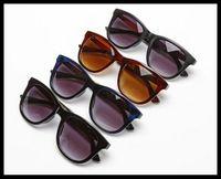 Wholesale fishing sunglasses - 2017 new small fish model sunglasses new sunglasses fashionable trendy sunglasses high quality brand glasses