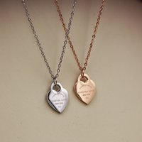 Wholesale Necklaces Glass Factory - The new south Korean version of the factory is made of titanium steel rose gold heart necklace with a short collarbone chain