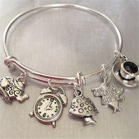 armbanduhrcharme großhandel-12pcs Alice im Wunderland Armband mit Kaninchen Uhr Tee Kessel und Tasse und Pilz Charme