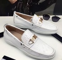 Wholesale White Croc Leather - 2017 autumn high quality mens ALL white croc Embossed leather Loafers mens Italy design gold buckle starp SLIP ON Brogues DRESS Shoes
