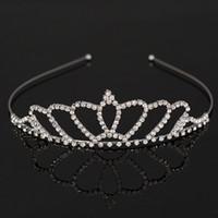 yeni gümüş gelin saç aksesuarları toptan satış-Yeni Moda Gümüş Gelin Düğün Tiara Taç Takı Kristal Gelin Aksesuarları Başlığı Saç Aksesuarı kadınlar için H039