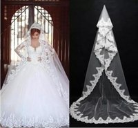 Wholesale Beautiful Dresses For Brides - Beautiful Long Bridal Veils for Ball Gowns Wedding Dresses 2018 Cheap Cathedral Train with Lace Edge One-Layer Wedding Veils for Bride 068