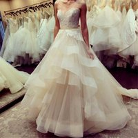 Wholesale Discount Bridal Gown Sashes - 2017 Elegant Plus Size Organza Wedding Dresses Bridal Gowns Discount A Line Sweetheart Tiered Skirt Boho Beach Wedding Gowns Vestido Novia