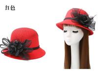 ingrosso fascinatori bianchi neri-Cappelli del partito di vendita calda 2019 Autunno e inverno aristocratico delle piume di garza cappello di lana delle signore cappello grande fiore per le signore