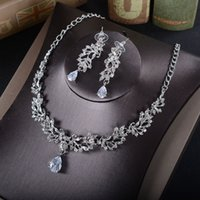 Wholesale Set Jewely - Sparkling Wedding Accessories 2017 Rhinesones Bridal Jewely Sets For Special Occasion Necklace & Earrings Crystals Wedding Jewelry Cheap