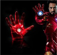 Grossiste en ligne Avengers Iron Man Gauntlet Glove LED Light Main Gauche Droite