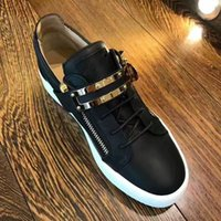 Wholesale iron medium - Hot Sales Fashion Brand Shoes Men Women Casual Low Top Black Leather Sports Shoes Double Zipper Flat Men Sneakers Iron Sheets Shoes