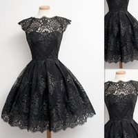 2017 Moda Short Black Lace Dress Cocktail Cap Sleeve Jóia Neck Girls Short Prom Dress Party Gowns Tamanho personalizado