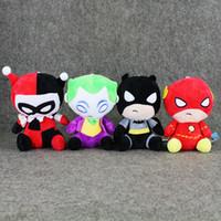 vídeo de colocação venda por atacado-20 cm The Avengers Batman Superman De Pelúcia Macia Stuffed Boneca de Brinquedo para o presente das crianças com ventosa frete grátis de varejo
