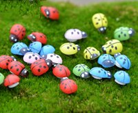 ingrosso mini figurine-100pcs mini Beetle Ladybug Fata gnomi da giardino in resina artigianato Figurine ornamenti Dollhouse bonasi decor