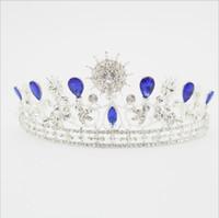 belles étapes de mariage achat en gros de-La nouvelle couronne en alliage diamant couronne couronne ronde baroque, accessoires de mariage de fête de scène, couleur blanc et bleu, très belle