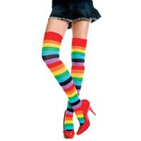 sobre joelho meia menina venda por atacado-Atacado-menina linda de poliéster sobre o joelho meias arco-íris colorido alta coxa para mulheres senhoras presentes Meia longa Stripey Meia