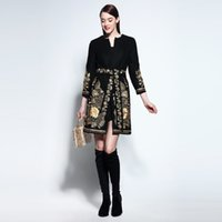 Runway Noble 2017 AutumnWinter Gold Blumenstickerei Long-Sleeve Covered Button Schärpe Wolle Slim Coat Oberbekleidung