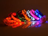 50pcs / lot Pet USB Rechargeable Led Collier Luminous Nylon Collier Night Safety Clignotant Glow Camouflage Dog Collar