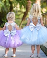 flor púrpura vestidos de lentejuelas al por mayor-Lentejuelas Princesa Girls Tutu Dresses 2017 con espalda cortada y Big Bow Light Purple Flower Girl Dress Longitud de rodilla Kids Birthday Dress
