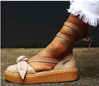 Billig Fenty Von Rihanna Creepers Collection Bogen Creeper Sandalen Rosa Weiß Braun Tönung Damen Schuhe Ankle Wrap Lace-Up Leder Ballett Flats