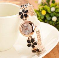 diamantes de aço novo relógio de mulher preto venda por atacado-Luxo new hot venda presente de Natal assistir Diamante mulheres de aço inoxidável caso de ouro preto discagem relógio de pulso W060