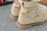 Wholesale Desert boots originated in the United States When the war was invented Because of the good wear and wear Becom