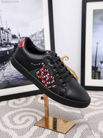 Wholesale Man Shoes Leather Snake - 2017 New Men Women Low Top Casual Shoes Fashion Snake Embroidery Flats Luxury White Black Leather Sneakers Free Shipping