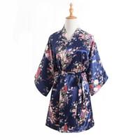 kimono yukata azul al por mayor-Al por mayor-Nueva llegada de las mujeres chinas de imitación de seda Kimono Mini bata bata de baño azul marino verano Yukata camisón Pijama Mujer One Size Mys007