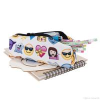 tuch reißverschluss kosmetik taschen großhandel-Make-up Bleistift Tasche mit Reißverschluss kosmetische Lagerung Oxford Tuch 3D gedruckte Design Cartoon kreative Emoji Taschen Student Pen Box 7 5gr F R