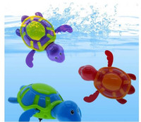 Cute Turtle / Crocodile / Shark Swim Animal Wound-up Chain Clockwork Baby Kid Balão de brinquedo para presente de banheiro