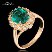 joyas de piedras preciosas de imitación al por mayor-Elegantes anillos de diamantes de imitación verdes para las mujeres 18 K chapado en oro rosa Marca de moda de cristal de imitación de piedras preciosas esmeralda joyería de la boda / niñas DFR088