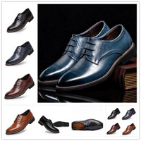 Wholesale E Lace Wedding Dresses - 2017 New High Quality Genuine Leather Brogues, Lace-Up Bullock Business Oxfords Men Dress Shoes Flats