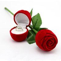 kadife halka kutuları toptan satış-Romantik Kırmızı Gül Çiçek Kadife Alyans tutucu Küpe Saklama Vitrin Kolye Takı Hediye Kutusu Sevgililer Günü doğum günü hediyeleri