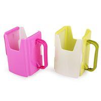 ingrosso supporti per tazze di plastica-All'ingrosso- 2016 Regolabile all'ingrosso di plastica bambino Toddler Kid Succo di latte Box bere Bottle Cup Holder tazza verde vendita calda