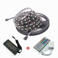 Vente directe en usine Imperméable 5050 RVB Noir PCB 60led / m 5M 300 LED SMD IP65 DC 12V Flexible Light Strip + 44key + 12v 5A puissance