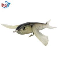 fliegende locken großhandel-Original ROSEWOOD Flying Fish-9 Zoll Blau / Schwarz 140g Weichen Köder Tiefsee Fischköder Mit 3,5 zoll Haken Trolling Thunfisch Marlin Fischköder