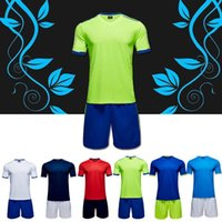 Wholesale Wholesale Soccer Suits - Customized your team logos Blank Soccer Jersey Football Shirts Tops With Shorts Sets Uniform,discount 2017 new Men's Training Suits Men kits