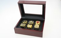 Wholesale Wooden Gift Box Set - Europe America 6PCS 1991 1992 1993 1996 1997 1998 Bulls championship rings with wooden box diaplay case sports jewelry fans collection gift