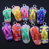 collares flip flop al por mayor-Al por mayor-40pcs / lot colores mezclados creativos Fimo Flip Flop Forma collar colgante lindo bolsos encantos de la joyería joyería hecha a mano Finding 37407
