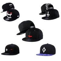 головные уборы оптовых-Вышивка крестом мода хип-хоп бейсболки спорт шляпы бейсболки женщины мужчины бейсбол встроенные шляпы оснастки спиной бейсболки 7 стилей