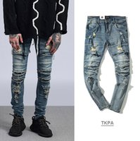 mavi ışık kesici toptan satış-Yüksek Sokak Erkekler Slim Fit Jeans Yırtık Kanye West Diz Sıkıntılı Uzun Pantolon Bağbozumu Açık Mavi Pantolon Keser