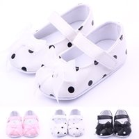 Wholesale Girls Dot Butterfly Knot - Wholesale- Classic Children Baby Kids Boy Girl Dot Lace Butterfly Knot Floor Shoes Autumn Fashion Non-Slip Soft Toddlers First Walkers