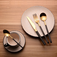 Wholesale Luxury SS18 Gold Plated Gift Items Gold Plated Spoons Knives Forks Black Handle Cutlery Set