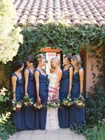 junioren bohemian kleider großhandel-Blue Moon Chiffon böhmischen Land lange Brautjungfernkleider billig 2019 elegante Landgarten klassische Trauzeugin Junior Brautjungfer Kleid