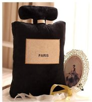 formas de botella al por mayor-¡Nuevo! Clásico marca patrón cojín 50x30 cm botella de perfume forma cojín negro blanco almohada de lujo diseño de moda logotipo almohada
