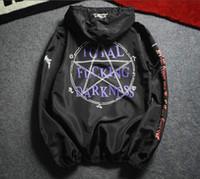 chaqueta de pasarela al por mayor-Vetements Total Darkness thin Jacket coat Chaqueta de hombre Pasarela Hip Hop Protección solar Summer women Windbreaker Skate Bomber Jackets