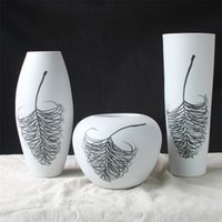 Wholesale White Vase Sets - Ceramic Porcelain Tabletop Vase Collection Set (3 Pcs) with Simple White Feather Pattern Design G550142