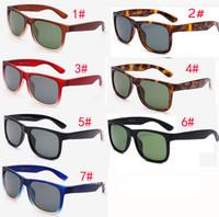 ingrosso telai neri per gli uomini-nuovo Brand designer Moda all'aperto occhiali da sole in vetro Per uomo e donna Sport occhiali da sole unisex Black Frame Occhiali da sole 7 colori SPEDIZIONE GRATUITA