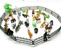 Petits animaux en plastique Simulation Zoo 32pcs / set Contenant de solides divers types Véritable Animaux Toys For Kid Children