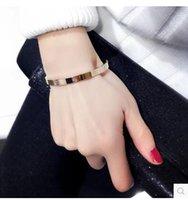 pulseira de ouro rosa venda por atacado-NOVA pulseira de aço de titânio rosa de ouro com carta amor pulseira de cristal diamante pulseiras snaps jewelly muitos estilos
