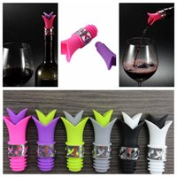 Wholesale Wholesale Novelty Bottles - 6 colors Lily Wine Stopper Novelty Bar Tools wine pourer Silicone Bottle stopper Bottle Cap YYA269